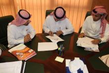 وكيل الجامعة للشؤون التعليمية والأكاديمية يعتمد وثيقة مشروع بوابة الخريجين